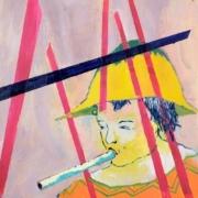 Junge mit gelbem Hut, blauem Haar und Flöte, Hintergrund rosaviolett